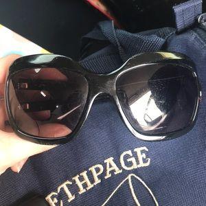 Round Marc Jacobs sunglasses